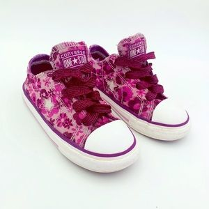 Girls Converse One Star Sneakers Size 9